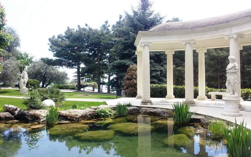 Парк Айвазовского в Партените