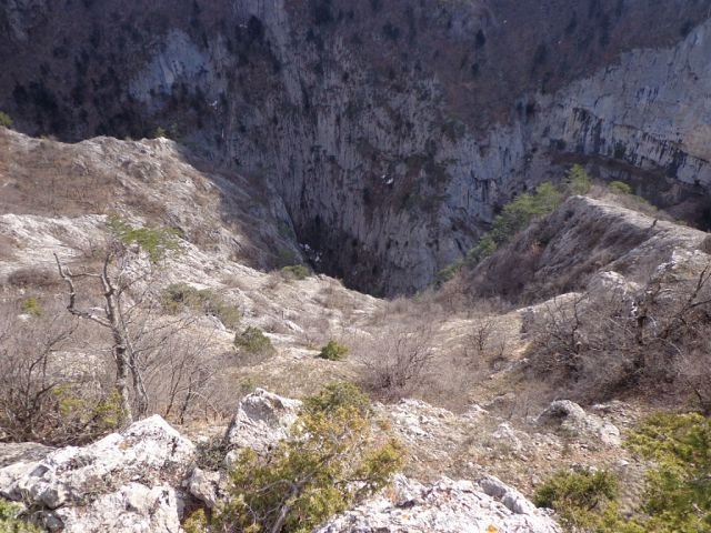 Большой каньон и «Хрустальный» водопад