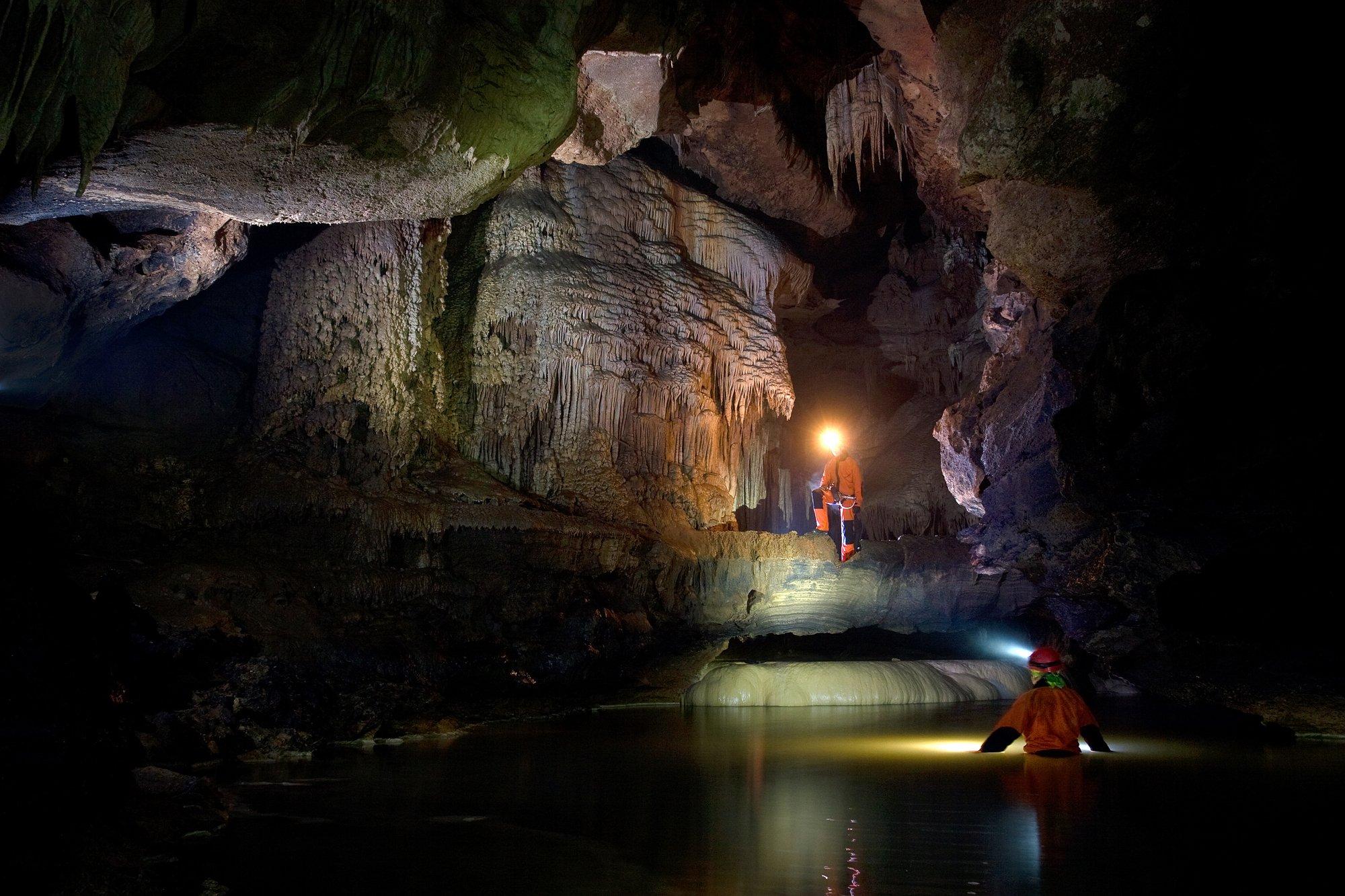 Красные пещеры в Крыму – грандиозный лабиринт