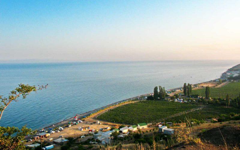Отдых в поселке Приветное: где купаться и что посмотреть туристам