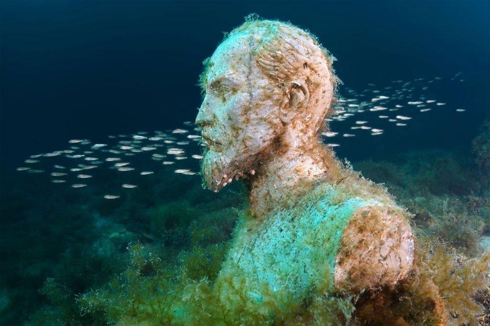Подводный музей «Аллея Вождей»