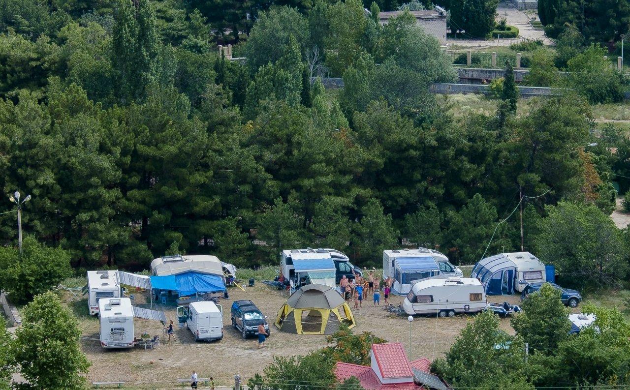 Где лучше остановиться с палаткой в Крыму: топ-5 мест по мнению туристов на 2019 год