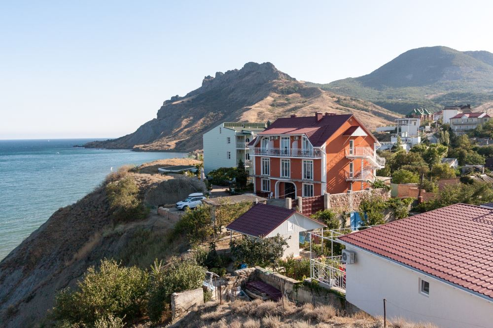 Курортные поселки на южном берегу Крыма