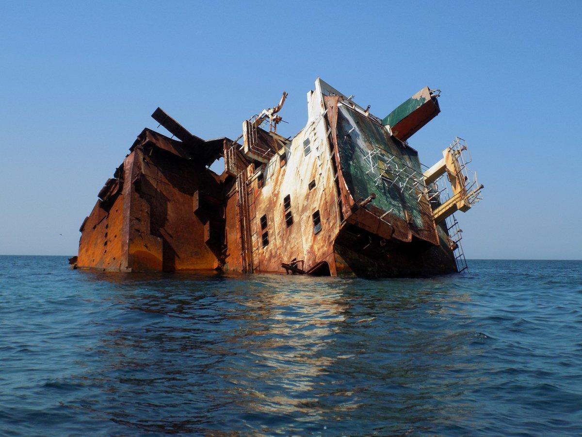 затонувший корабль Тарханкута