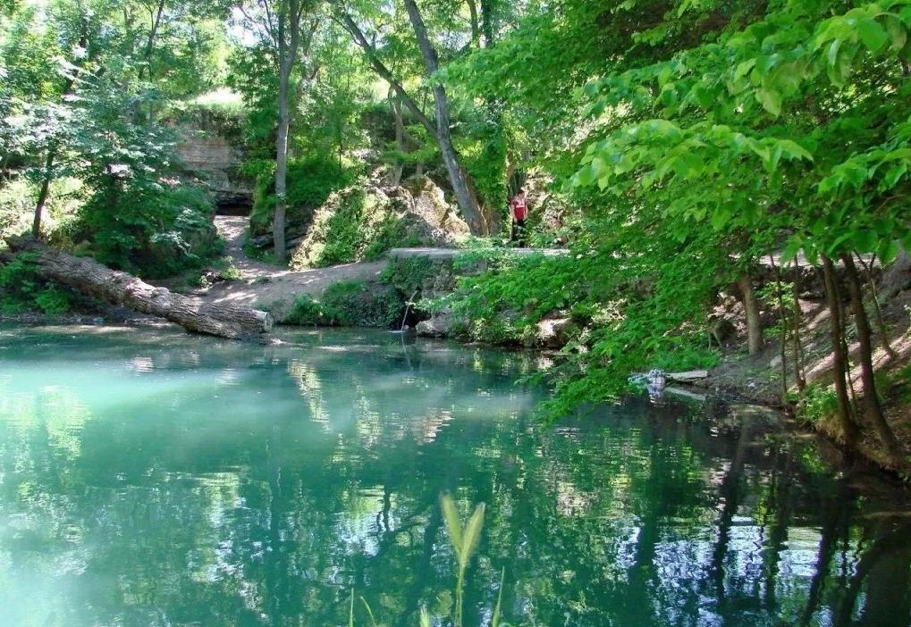 Озеро у Плачущей скалы