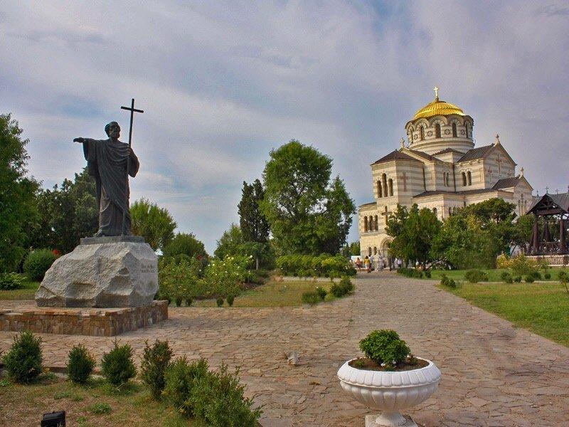 Кафедральный Владимирский собор