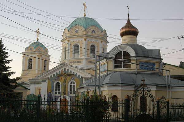Свято-Троицкий монастырь с vprokate.su