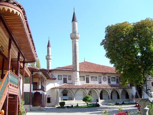 Посетите Бахчисарайский дворец с vprokate.su