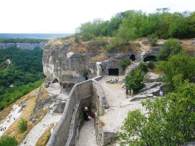 vprokate.su поможет увидеть пещерный город Чуфут-Кале vprokate.su