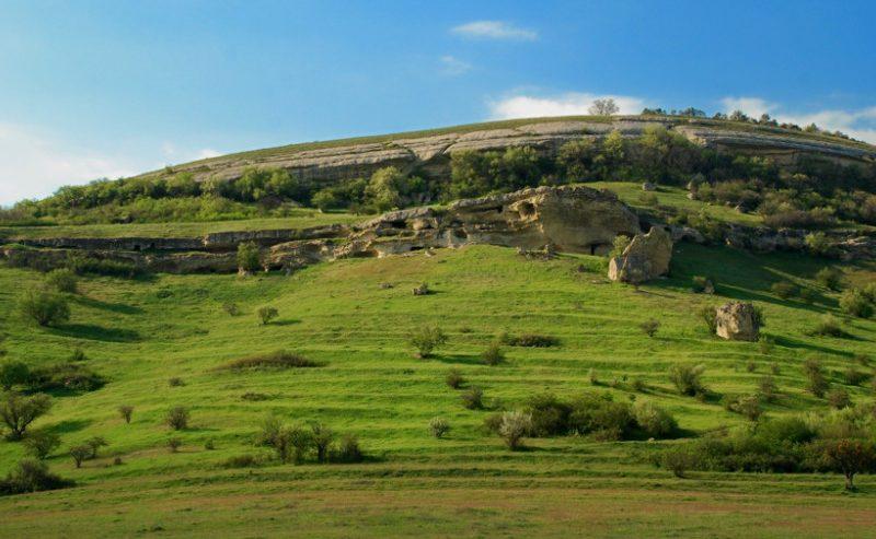 Посетите пещерные города в Крыму с vprokate.su