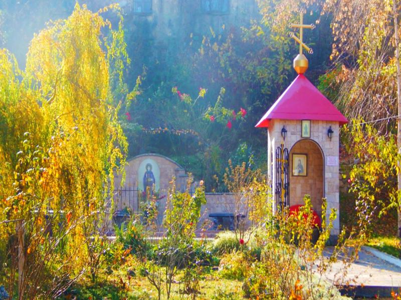 Посетите Топловский монастырь на автомобилях vprokate.su