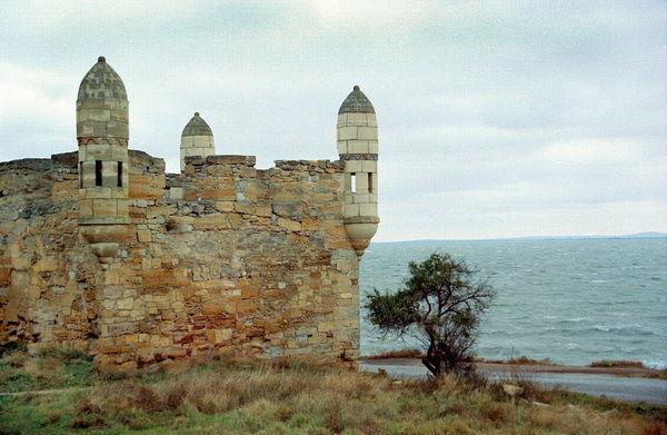 Древние крепости Керчи увидеть легко с vprokate.su