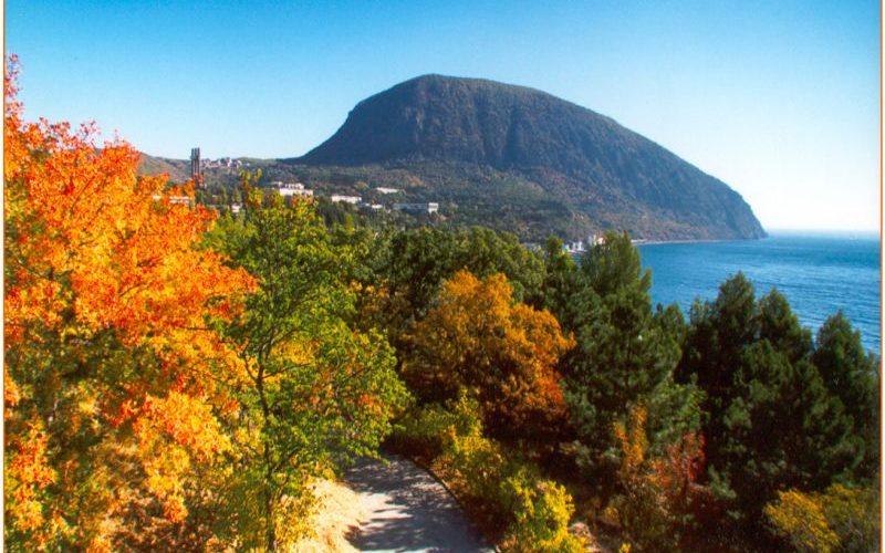 Золотая осень в Крыму: где отдохнуть, что посмотреть интересного