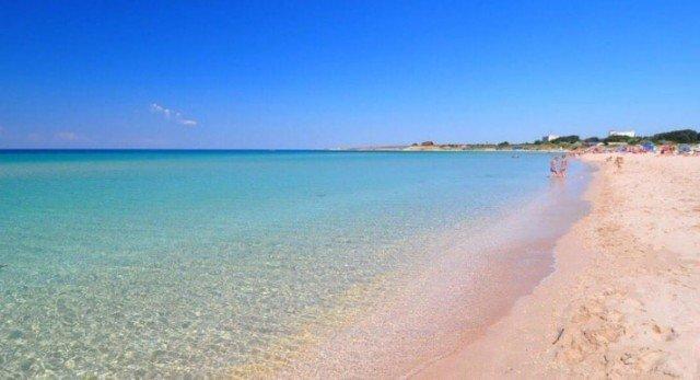 Песчаный пляж в Оленевке