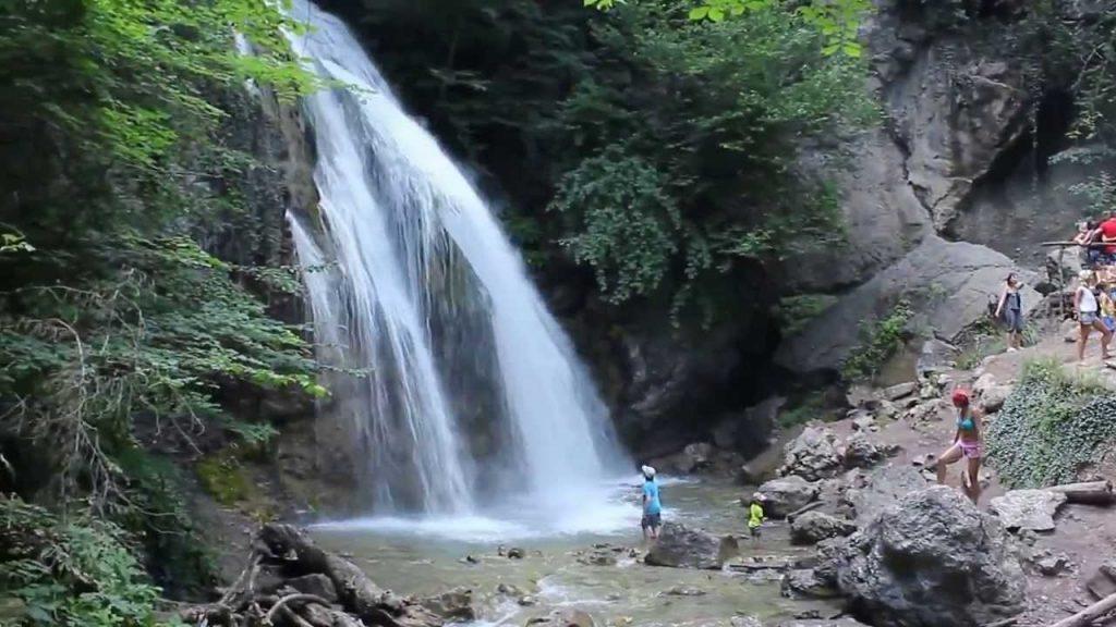 Водопад Джур-Джур — получите визуальное удовольствие