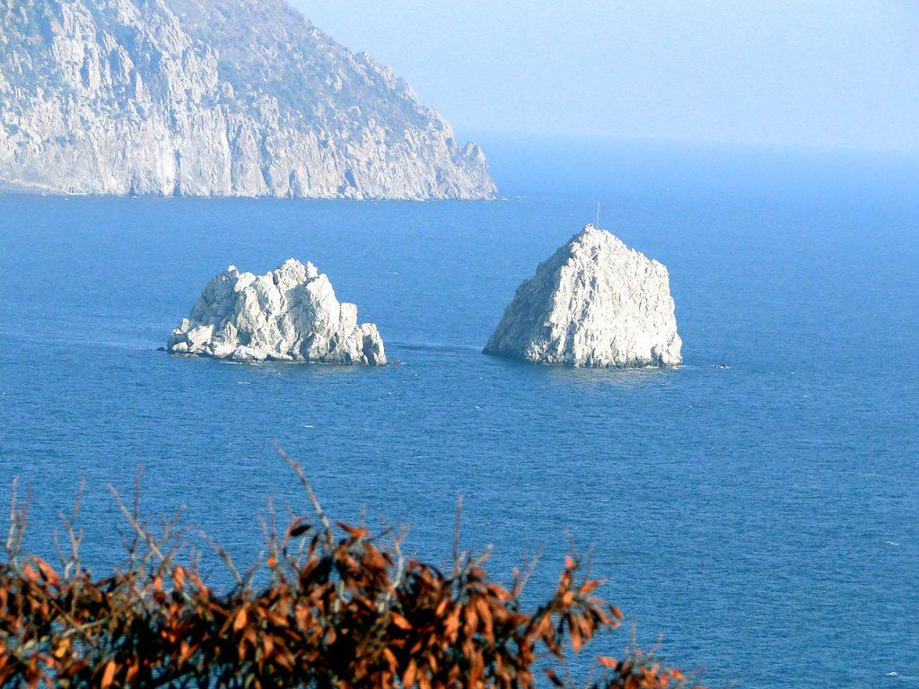 Скалы Адалары в Крыму