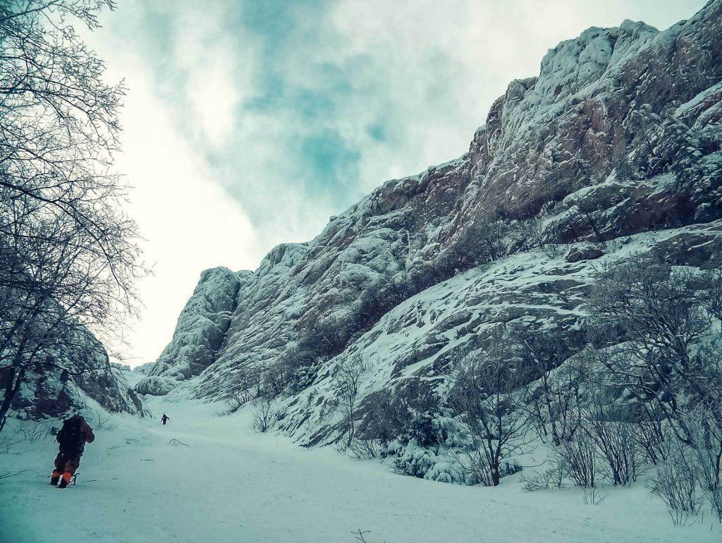 Ангарский перевал и Чатыр-Даг