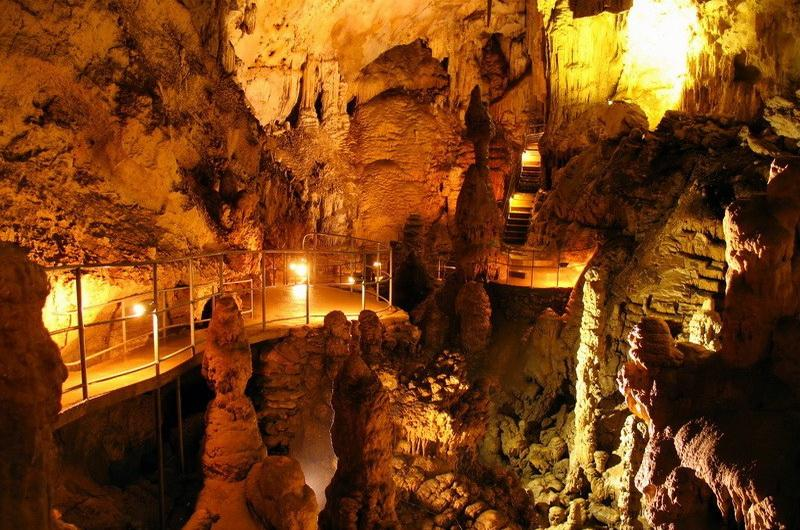 Скельская пещера и могильники Таш-Кой